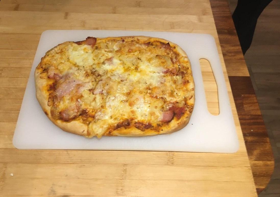Theeban pizza 2.jpg